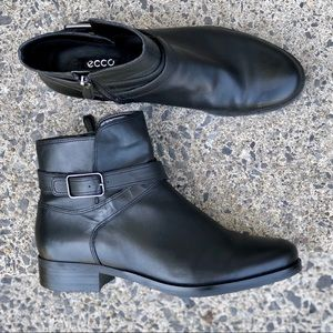 Ecco black leather Fall ankle boot w. zipper 40